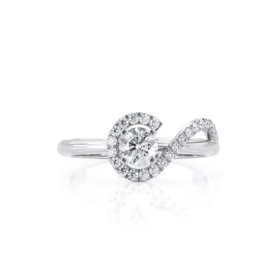 Unique Halo Diamond ring