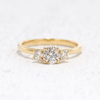 טבעת שלוש יהלומים | מור