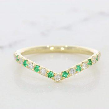 טבעת ווי אמרלדים ויהלומים