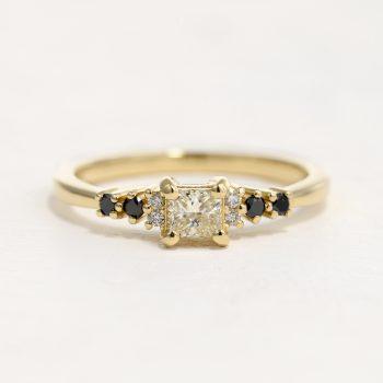 טבעת יהלום מרובע פרינסס | ג'אפר